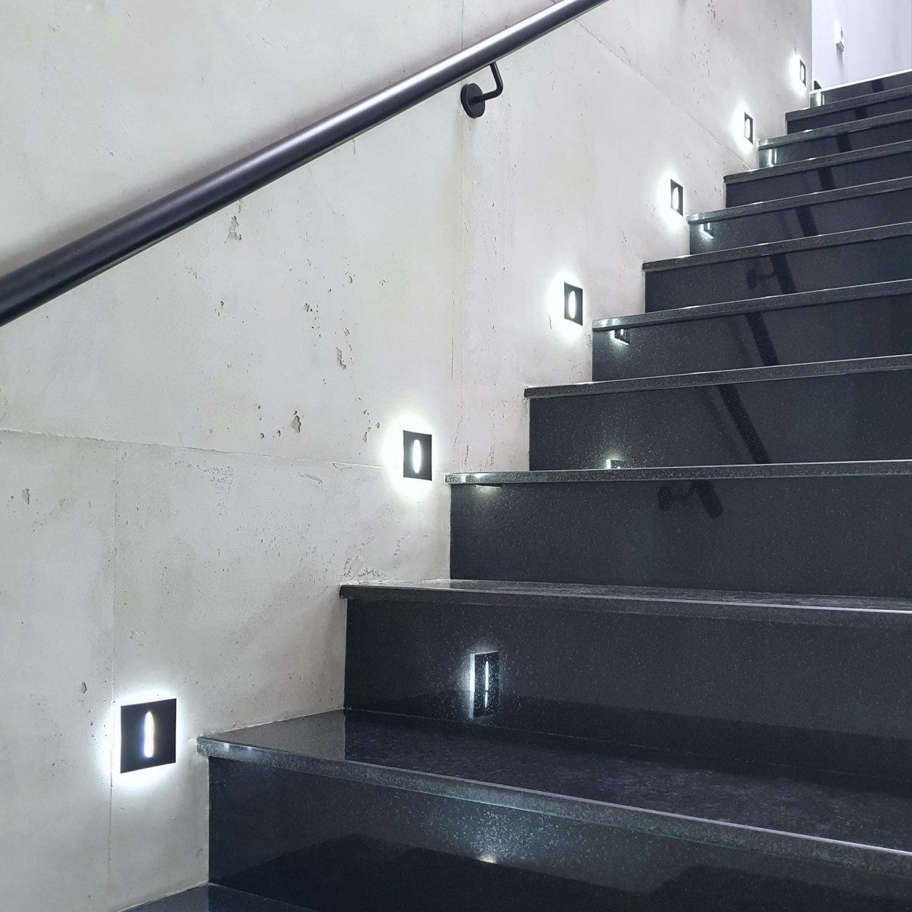 led-treppenbeleuchtung-einbauanleitung-wie-viele-stufenbeleuchtungen-werden-benoetigt